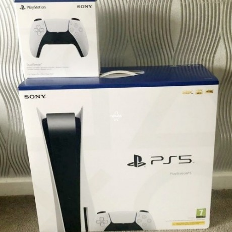 playstation-5-with-extra-controller-disc-version-uk-big-3