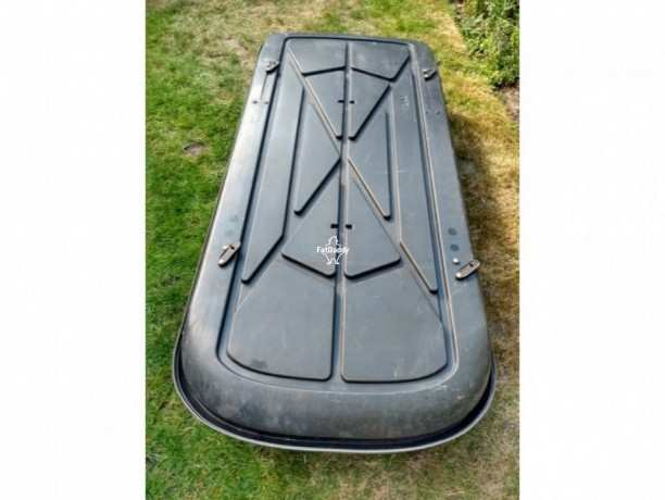 used-thule-roof-box-in-reigate-for-sale-big-3