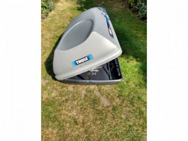used-thule-roof-box-in-reigate-for-sale-big-1