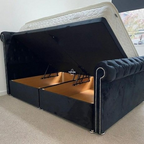 king-size-bed-in-birmingham-for-sale-big-0